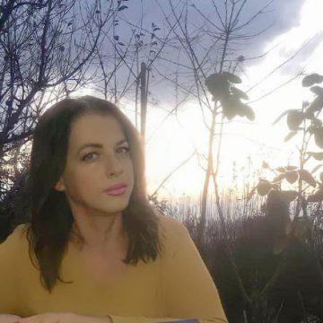 E diela poetike me poeten;Nexha Reçica