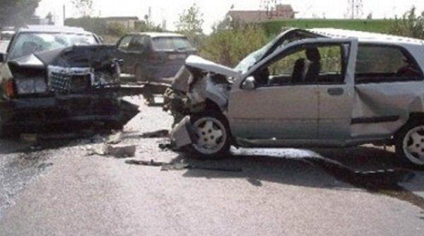 Kunata e shkel me veturë kunatën në Gjilan dhe arratiset