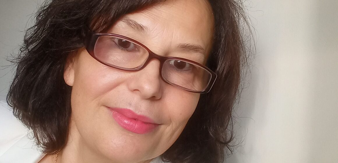 Çaste poetike me poeten:Irena Hoxha